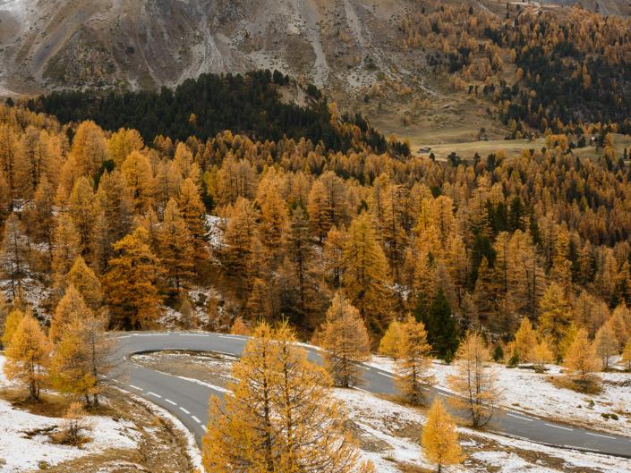La route du Col d'Izoard à l'automne