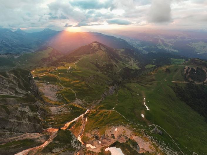 Lever de soleil par-delà le Mont-Blanc, depuis la Pointe de Mandallaz