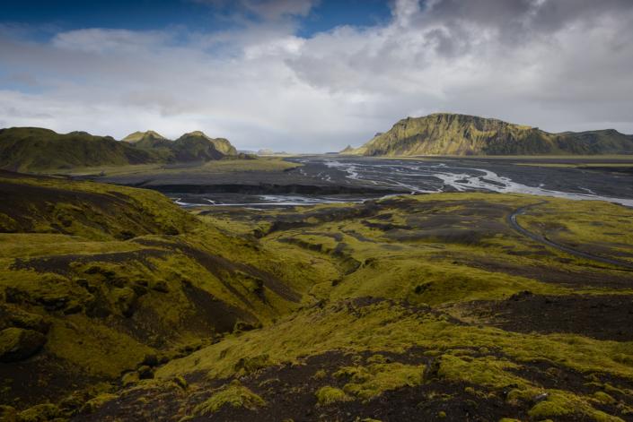 Au bord de la route menant à Thakgil en Islande